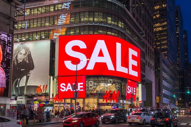 Time Square H&M sale sign