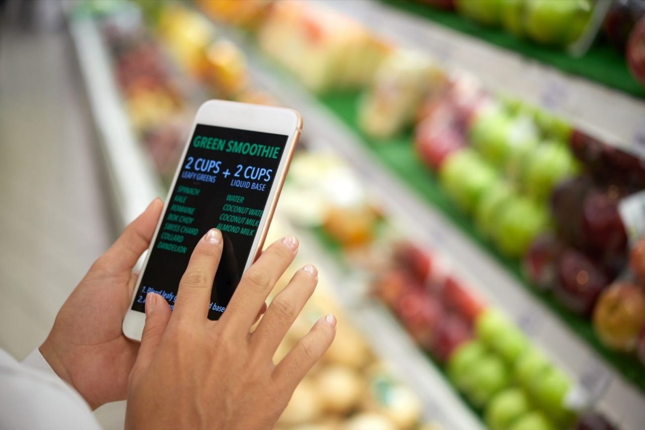 Shopping for ingredients mobile app in grocery store